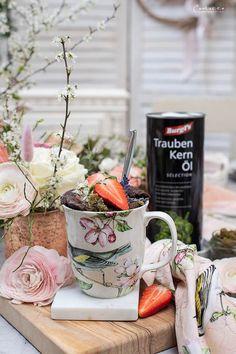 Mugs, Tableware, Garnishing, Chocolate Cakes, Strawberries, Products, Dinnerware, Tumblers, Tablewares