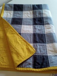 Sew Blue Jean Quilt Blanket Craft Project Homesteading The Homestead Survival .Com The post Sew Blue Jean Quilt Blanket Craft Project Homesteading The Homestead Survival appeared first on Blue Jeans. Sewing Hacks, Sewing Crafts, Sewing Tips, Sewing Tutorials, Sewing Ideas, Sewing Box, Sewing Patterns Free, Free Sewing, Sewing Paterns
