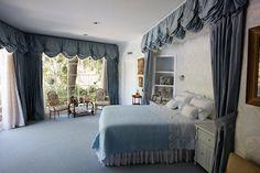 Inside Elizabeth Taylor's Home