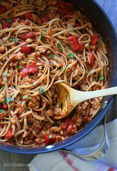 Spicy Whole Wheat Linguini with Sausage and Roasted Peppers | Skinnytaste