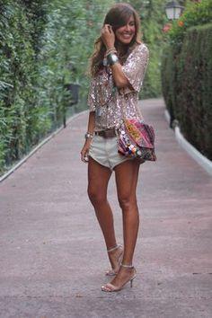 Top: Zara (old). Shorts: Pull&Bear (old). Cinturón/belt: By Gift. Sandalias/sandals: Lefties (old). Collares/necklaces: BELAO, Day a Day, Flea Market. Brazalete plateado/bracelet: Primark (old). Bolso/clutch: Mimi et Lulu. Boho Fashion Summer, Ibiza Fashion, Fashion Wear, Fashion Pants, Love Fashion, Fashion Outfits, Womens Fashion, Moda Hippie, Moda Boho