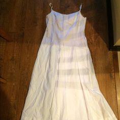 White midi length sun dress size 4 White midi length sun dress with full pleated skirt and feminine top size 4➡️PRICE IS FIRM⬅️ Hilfiger Dresses Midi