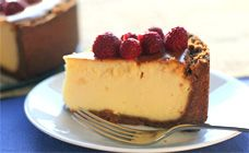 New York cheesecake - the classic baked cheesecake using cream cheese and sour cream. Milk Recipes, Baking Recipes, Kidspot Recipes, Non Chocolate Desserts, Recipe Finder, No Bake Pies, Christmas Desserts, Cheesecake Recipes, Sour Cream