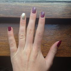 Maroon and gold nails ||