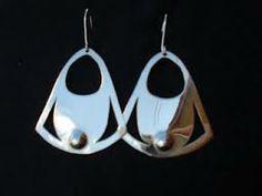 aros mapuches Earrings Handmade, Handmade Jewelry, Bohemian Jewelry, Metal Jewelry, Metal Working, Jewelry Making, Gems, Bling, Drop Earrings