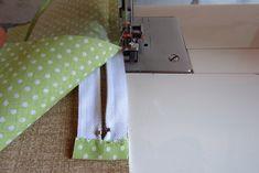 Nem megy a cipzár varrás? … Mutatom! | Varrott Világom Sewing Projects, Embroidery, Bag, Bags, Totes, Purse, Needlepoint, Drawn Thread, Stitch