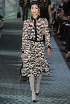 See the complete Tory Burch Fall 2012 Ready-to-Wear collection.