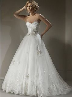 (FITS0254697)2012 Style A-line Sweetheart Applique Sleeveless Sweep / Brush Train Lace Wedding Dresses For Brides