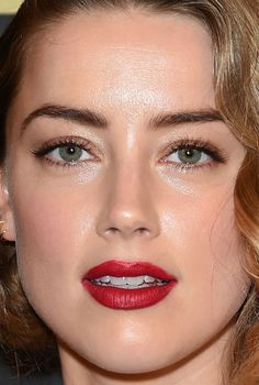 From Yellow Eyeshadow to Glossy Red Lipstick: 25 of the Best Skin, Hair and Makeup Looks Lately Close-up of Amber Heard at the 2015 cocktail party Bulgari Haute Couture. Celebrity Skin, Celebrity Beauty, Amber Heard Hair, Beauty Makeup, Eye Makeup, Most Beautiful Eyes, Beautiful Women, Eos Lip Balm, Yellow Eyeshadow