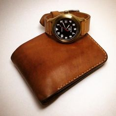 #leathercraft #leathergoods #leatherwatchstrap