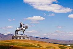 Enormous Statue of Genghis Khan in Mongolia By Kaushik Tuesday, September 10, 2013  PHOTO CREDIT: http://www.flickr.com/photos/nutag/3560862699/