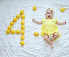 Funny Baby Photography, Newborn Baby Photography, Newborn Photos, Funny Baby Pictures, Baby Girl Pictures, Monthly Baby Photos, Baby Milestones, Baby Boy Newborn, Cool Baby Stuff