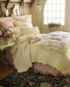 Romantic Bedroom, French Country Bedroom Decor Photos: French Country Bedding Sets for Classic Elegance Design Style. Bedroom Designs For Newly Married Couples Shabby Chic Bedrooms, Bedroom Vintage, Shabby Chic Homes, Shabby Chic Furniture, Shabby Chic Decor, Bedroom Furniture, Romantic Bedrooms, Shabby Vintage, Rustic Decor
