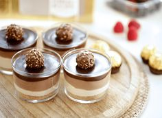 Romige chocolade dessert | Kookmutsjes Mousse Dessert, Coconut Cheesecake, Good Food, Yummy Food, Christmas Lunch, Fodmap Recipes, Iftar, Food Inspiration, Food To Make