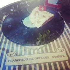 Quando ai dice #mangiare a suon di #musica, essere serviti su un piatto LP... a #riccione si #può. #music #food #eat
