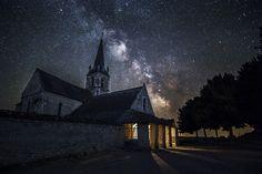 """""""Church under the Milky Way"""" by Pierre de Izarra // Dualidad. Realidad y fantasía. La verdad absoluta que se despedaza y el universo por descubrir."""