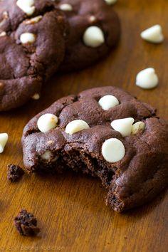 The BEST Chocolate Cookies - they taste like brownies! Recipe on sallysbakingaddiction.com