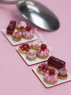 The Daily Mini - Miniatures by PetitPlat