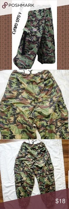 UFO CAMO Rave Pants size Small 🌟Bring back the 90's with these super cool Rave Pants. Unisex size small.  💕Waist 32 inches 💕Inseam 30.5  🌟Bundle for private discounts. UFO Jeans Pants Wide Leg