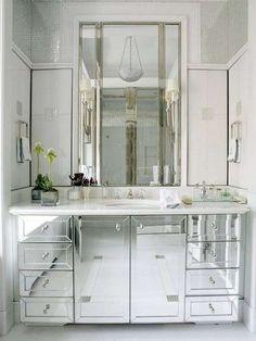 Arredare casa con gli specchi - Mobile bagno specchio
