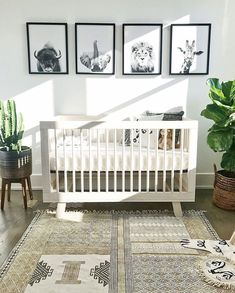 gender neutral nursery decor boho chic animal themed nursery Babyzimmer - saansh - by sandra pietras Baby Nursery: Easy and Cozy Baby Room Ideas for Girl and Boys