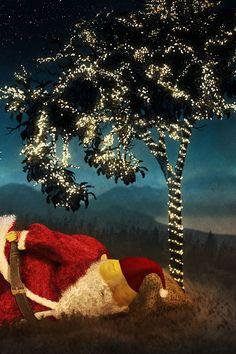 Illustration - Weihnachtsmann - Weihnachtskarte von Cornelius Schödl / CosmosMedia Cornelius, Illustration, Disney Characters, Fictional Characters, Poster, Disney Princess, Painting, Santa Clause, Christmas Cards