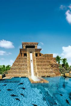 This water slide in Atlantis, Bahamas looks like so much fun.