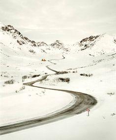 Roads: imagens poéticas de estradas vazias por Christian Schmidt | The Hype BR