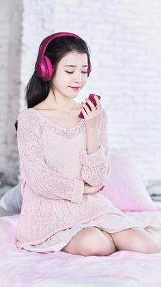Sony IU Wallpapers edited by IUmushimushi Iu Fashion, Korean Fashion, Fashion Models, Korean Beauty, Asian Beauty, Asian Woman, Asian Girl, Korean Actresses, Korean Celebrities
