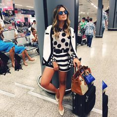 "Thássia Naves no Instagram: ""Black N' White kinda day!  #ootd #ThassiaEuroSummer 