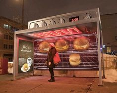 Un abri de bus original #streetmarketing #m2mediascom