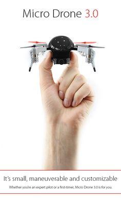 Der Drohnen-Bauer Extreme Fliers bietet ab März 2016 eine überarbeitete Variante seiner Micro Drone 2.0 an. Die Micro Drone 3.0 soll durch ein tolles Design, FPV-Ansicht und eine Reichweite von bis zu 120 Meter überzeugen. Das ursprünglich auf der Crowdfunding-Plattform Indiegogo gestartete Micro Drone-Projektwird spätestens im Jahr 2016 allerlei Unterstützer begeistern, denn im Februar werden…
