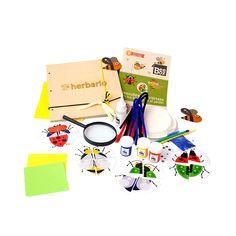 Caja BeeBox Bichos 🐝  Cada caja de BeeBox incluye 3 o 4 manualidades con los materiales y el instructivo para desarrollar los proyectos, actividades que vas a encontrar en esta caja: Rompecabezas de bichos, Bichos con platos de cartón, Frijoles en bolsa, Herbario, Mosquitos en origami.