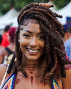 Great article on basic maintence of locs. Kari William shares the how to shampoo locs and moisturize. Black Girls Hairstyles, Afro Hairstyles, Faux Locs Styles, Curly Hair Styles, Natural Hair Styles, Afro Punk, Girls Braids, African Beauty, Braid Styles