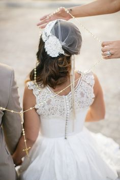 Mexican lasso ceremony | by Petronella Photography | see more on: http://burnettsboards.com/2014/05/mexican-wedding-traditions/