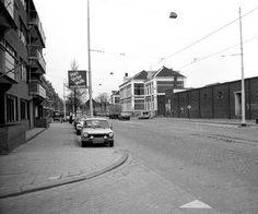 In de Boezemstraat was ook het Abattoir, het Openbare Slachthuis van Rotterdam. rechts op de foto, 1950.