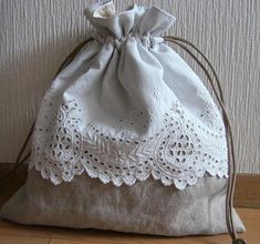 Sewing Crafts, Sewing Projects, Embroidery Purse, Lavender Bags, Fabric Gift Bags, Craft Bags, Linens And Lace, Linen Bag, Handmade Bags