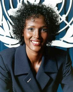 Waris Dirie a model, author, actress and human rights activist of Somali origin. Waris abandoned her modeling career to focus on her work against female circumcision. She has received many prizes and awards for her humanitarian work and books. Human Rights Activists, Desert Flowers, Black Actresses, Dark Skin Girls, Black Celebrities, Great Women, Women In History, Female Models, Women Models