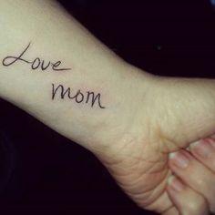 23 Emotional Memorial Tattoos to Honor Loved Ones - crazyforus Tribal Tattoos, Tattoos Geometric, Mom Tattoos, Hand Tattoos, Small Tattoos, Sleeve Tattoos, Tattoo Mom, Tatoos, Tattoos To Honor Mom