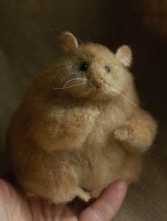 https://flic.kr/p/6WUX1E | hammy | hamster, knitted www.fadeeva.com