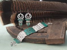 #Patina: the unique color & finish looks remarkable when paired with classic #Sterling #Silver