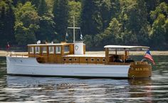 Buy a pre-owned yacht from a respected dealer that provides superior customer service and satisfaction. Alexander Marine USA is the trusted dealer. Trawler Yacht, Outboard Boat Motors, Classic Wooden Boats, Deck Boat, Cabin Cruiser, Classic Yachts, Vintage Boats, Old Boats, Power Boats