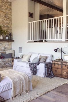Cozy cottage farmhouse style dwelling in the California foothills