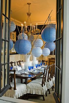 paper lanterns hanging from river cane. Obviously don't do it in the dining room. There's no room to breathe in there with all those giant lanterns Chinoiserie Chic, Party Entertainment, Deco Table, Decoration Table, Bamboo Decoration, White Decor, Party Time, Party Fun, Blue Party