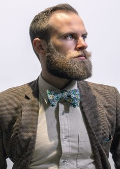 The top short hairstyles for men for the year 2018 are eye-catching and somewhat sophisticated. Forget about the one-length and monotone haircuts that guys liked to rock a couple of years ago. Today the short mens hairstyles have become particularly. Men's Grooming, Mustache Grooming, Beard No Mustache, Perfect Beard, Beard Love, Great Beards, Awesome Beards, Beard Styles For Men, Hair And Beard Styles