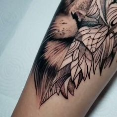 Lion in realism and tribal-Leão em realismo e tribal Lion tattoo with half in realism and half tribal created by the tattoo artist Jacó. Tribal Lion Tattoo, Lion Head Tattoos, Bull Tattoos, Lion Tattoo Design, Eagle Tattoos, Leg Tattoos, Body Art Tattoos, Tattoos For Guys, Tattoo Designs