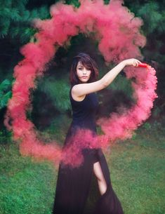 Smoke bomb photography tips and ideas for beginning photographers. Learn how to use a smoke grenade and where to buy smoke bombs in order to make your portfolio allocate among others. Smoke Bomb Photography, Prom Photography, Halloween Photography, Creative Photography, Portrait Photography, Photography Ideas, Photography Lessons, Photography Business, Color Smoke Bomb