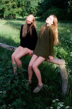 Inka and Neele by Lina Scheynius | LADY WEAR | Pinterest | セーター、太陽、女性のファッション
