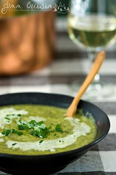 The prettiest soup I've seen - Creamy zucchini soup