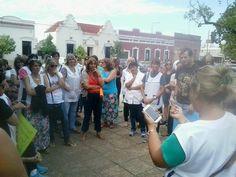 Protesta y movilización de docentes de Oliva en Plaza San Martín